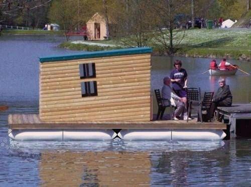 Construire une barge moteur bateau occasion for Construire une maison flottante